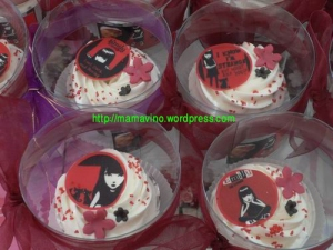 emily 2 cupcake - mommycakes